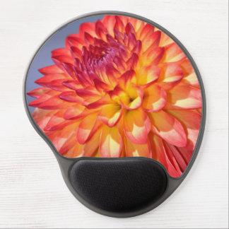 Flor anaranjada de la dalia alfombrilla de raton con gel