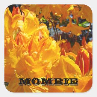 Flor anaranjada de Rhodies de la mamá del zombi de Pegatina Cuadrada