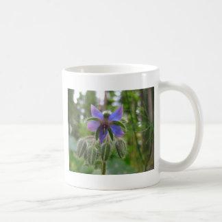 Flor asombrosa del cuento de hadas taza clásica