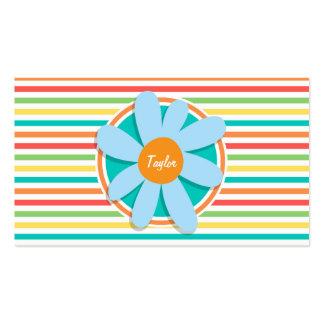 Flor azul en rayas brillantes del arco iris tarjeta personal
