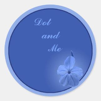 Flor azul pegatina redonda