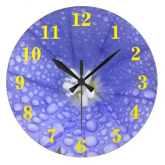 Flor blanca azul reloj redondo grande
