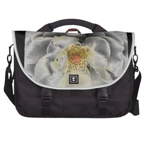 Flor blanca bolsas de portátil