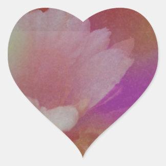 Flor blanca con texturas rosadas pegatina en forma de corazón