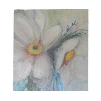Flor blanca de la acuarela libretas para notas