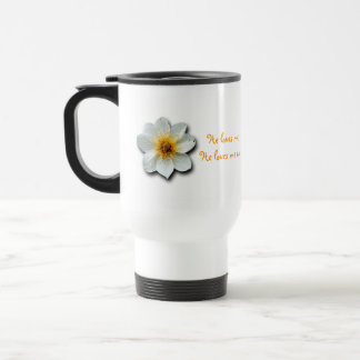 Flor blanca minúscula taza de viaje