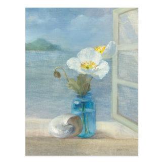 Flor blanca que pasa por alto el mar tarjetas postales