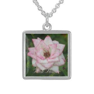 Flor blanca rosada collar de plata de ley