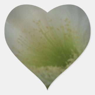 Flor blanca suave pegatina en forma de corazón