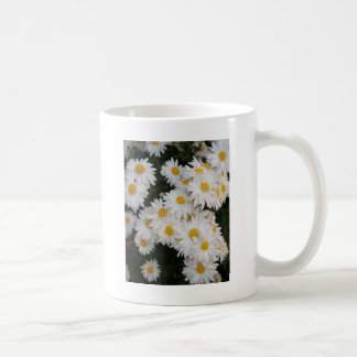 Flor blanca taza clásica