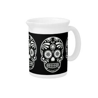 Flor blanco y negro del cráneo del azúcar jarra para bebida