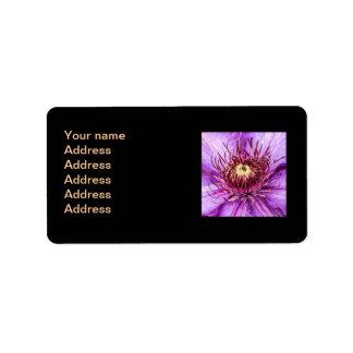 Flor bonita del Clematis púrpura Etiqueta De Dirección