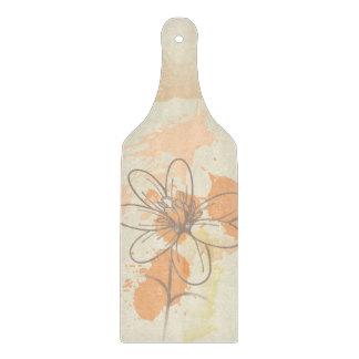 Flor bosquejada en splats de la pintura de la tablas para cortar