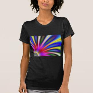 Flor brillante como diseño del extracto del fracta camiseta