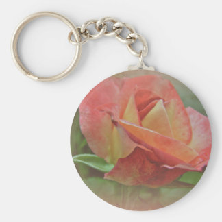 Flor color de rosa amelocotonado llavero redondo tipo pin