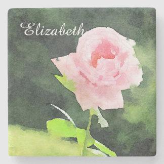 Flor color de rosa inglesa rosada hermosa de la posavasos de piedra