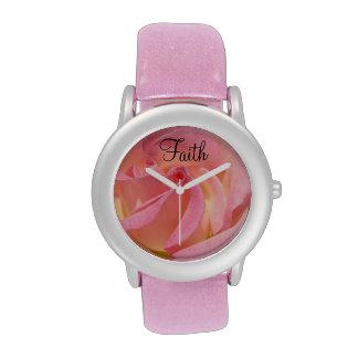 Flor color de rosa rosada de los relojes de moda d