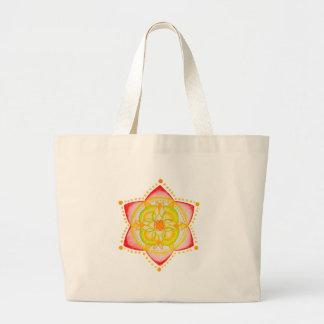Flor colorida de la mandala pintada a mano bolsas de mano