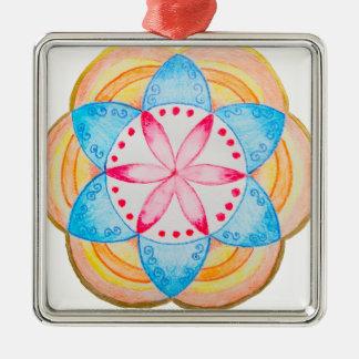 Flor colorida de la mandala pintada a mano adorno cuadrado plateado