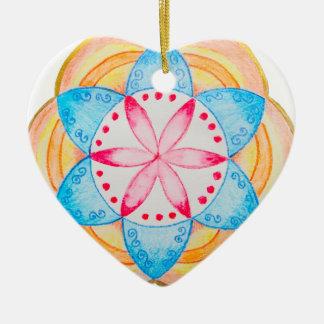 Flor colorida de la mandala pintada a mano adorno de cerámica en forma de corazón