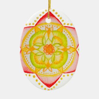 Flor colorida de la mandala pintada a mano adorno ovalado de cerámica