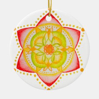 Flor colorida de la mandala pintada a mano adorno redondo de cerámica