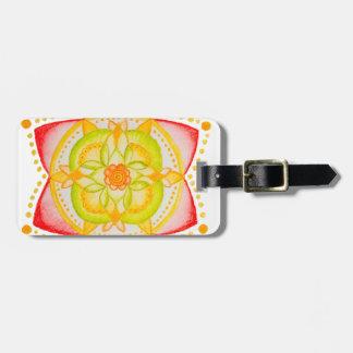 Flor colorida de la mandala pintada a mano etiquetas bolsas