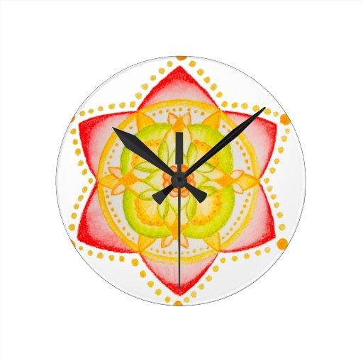 Flor colorida de la mandala pintada a mano reloj redondo mediano