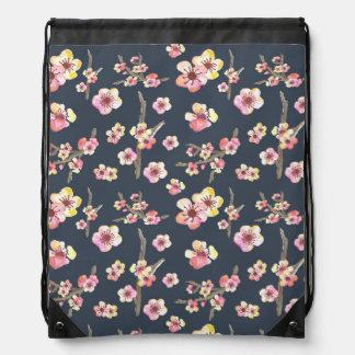 Flor de cerezo de la marina de guerra floral mochilas