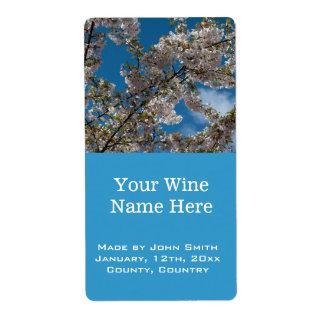 flor de cerezo hermosa en etiquetas del vino del etiqueta de envío
