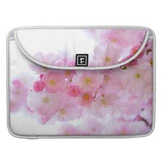 Flor de cerezo japonesa fundas para macbook pro