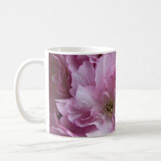 Flor de cerezo japonesa taza clásica