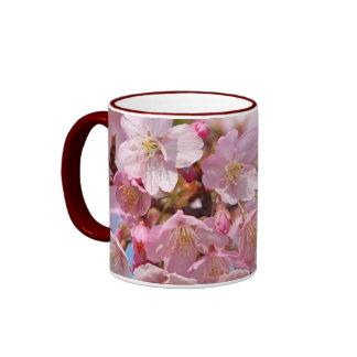 Flor de cerezo japonesa taza de dos colores