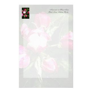 Flor de cerezo rosada papeleria de diseño