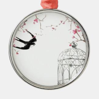 Flor de cerezo, trago, diseño del birdcage adorno redondo plateado