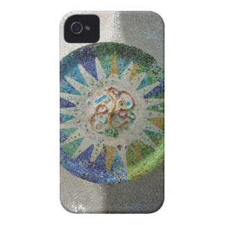 Flor de Gaudi iPhone 4 Case-Mate Cárcasas