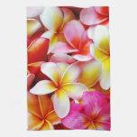 Flor de Hawaii del Frangipani del Plumeria modific Toalla De Cocina
