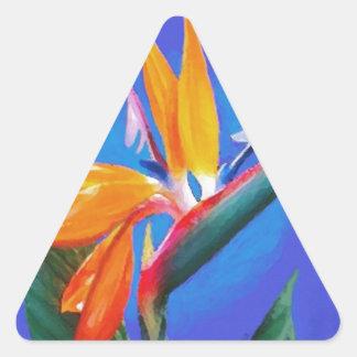 Flor de la ave del paraíso pegatina triangular