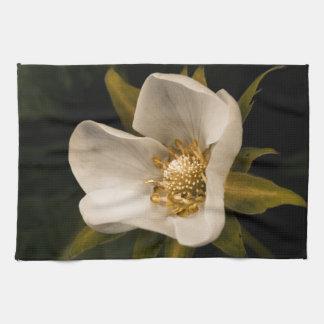 Flor de la fresa toalla de cocina