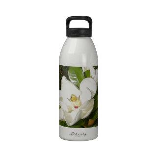 Flor de la magnolia botella de agua reutilizable