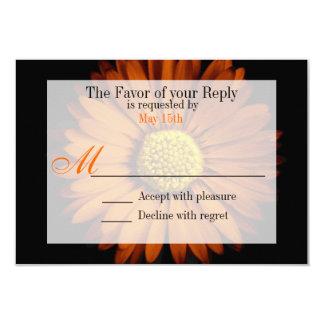 Flor de la margarita de Gerber del amarillo Invitación Personalizada