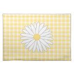 Flor de la margarita en amarillo y blanco manteles
