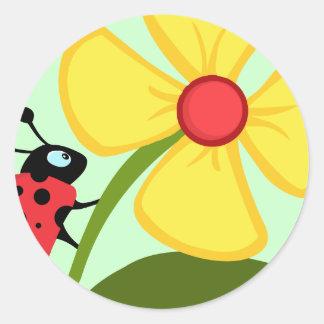 Flor de la mariquita pegatina redonda