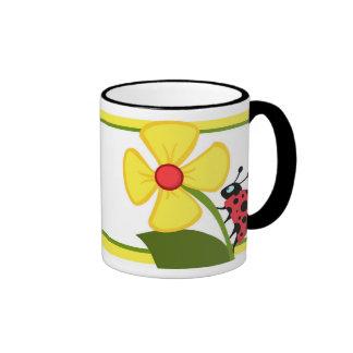 Flor de la mariquita taza de dos colores