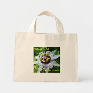 Flor de la pasión - la naturaleza es arte bolsa tela pequeña