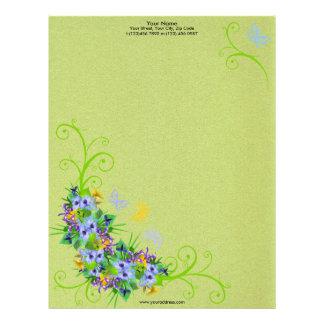 Flor de la primavera con el papel con membrete de  plantillas de membrete