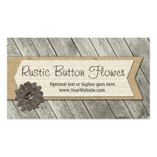 Flor de la tela del botón en la arpillera y la tarjetas de visita