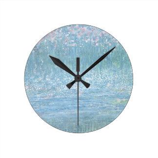 Flor de la tolerancia del iris en el reloj del vie