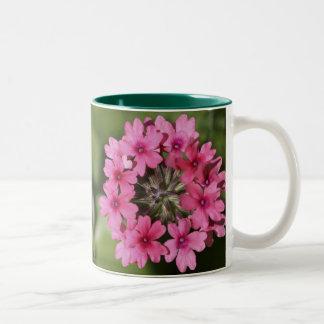 Flor de la verbena taza de dos tonos