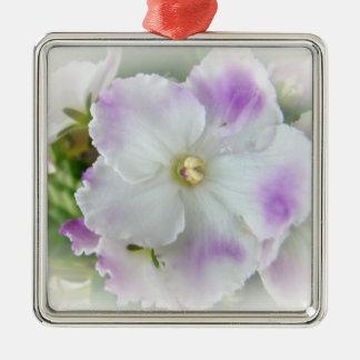 Flor de la violeta africana adorno navideño cuadrado de metal